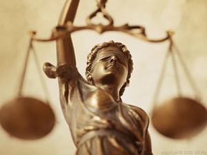После установления совместных долгов, судебная инстанция определяет последовательность их распределения в соответствии с долевыми частями каждого участника разбирательства