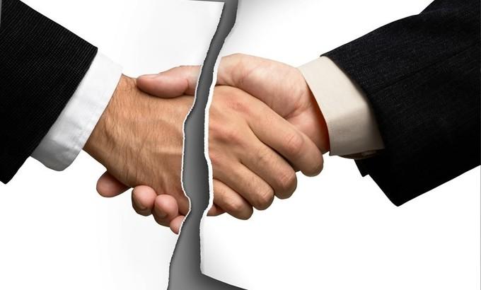 При расторжении договора обязательства сторон прекращаются, если иное не предусмотрено законом, договором или не вытекает из существа обязательства