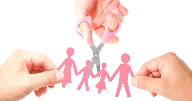 При оформлении развода с начилием несовершеннолетних детей консультация с юристом будет не лишней