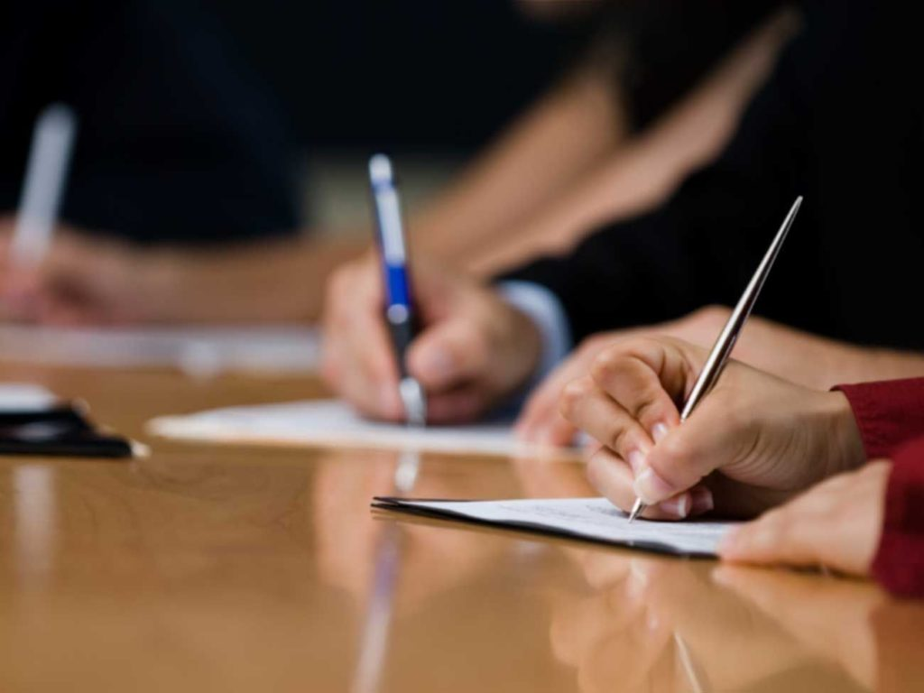 Работодатель обязан создать комиссию, которая будет заниматься рассмотрением произошедшего случая