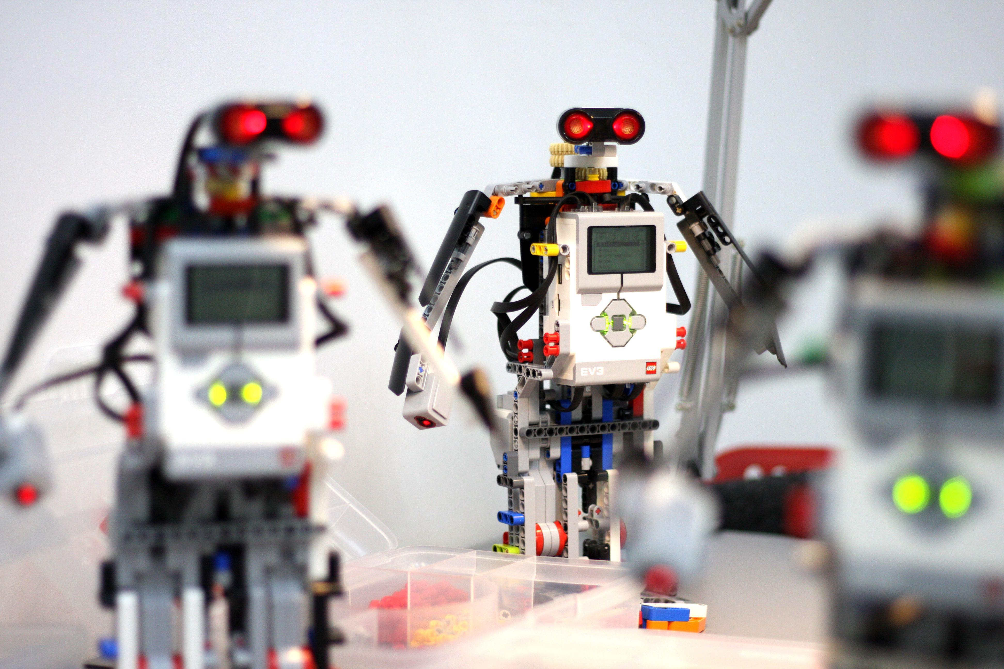 Студенты, преуспевающие в роботостроение, могут претендовать на президентскую стипендию