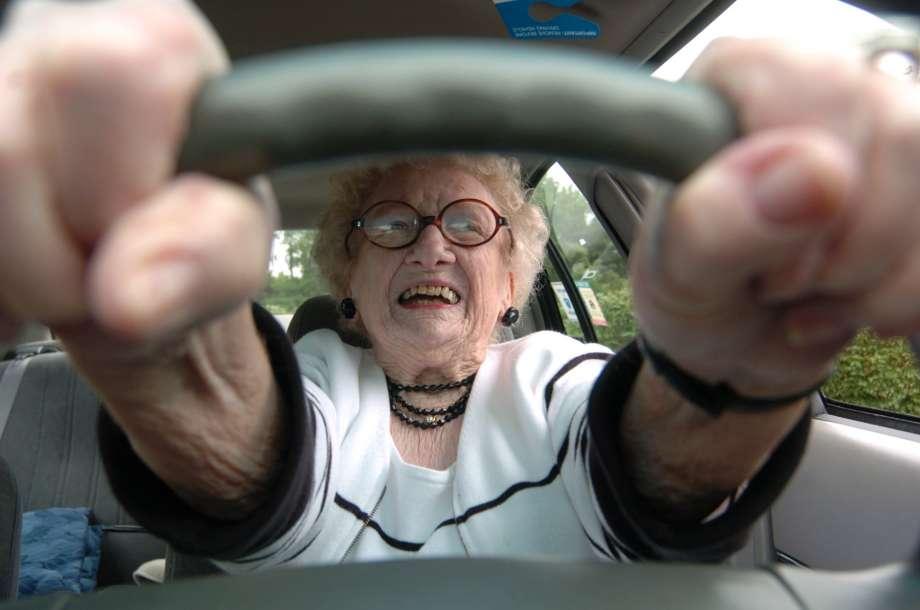 Транспортный налог: льготы для пенсионеров