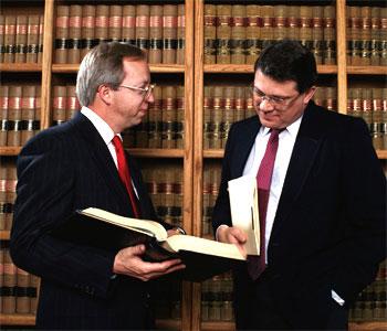 Должнику можно порекомендовать заручиться поддержкой квалифицированного юриста