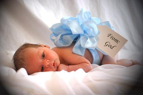 По закону у родителей есть месяц на оформление свидетельства о рождении с момента рождения ребенка